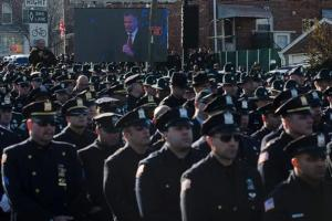 nypd_cops_turn_back_de_blasio_122714_ap_606